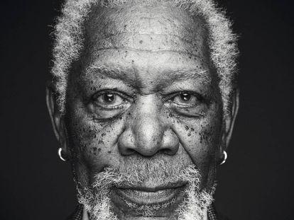 Morgan Freeman con esa mirada que a la vez expresa calma y temor. Eso solo lo puede hacer él.