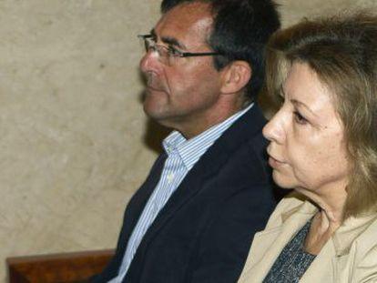 Maria Antònia Munar y Miquel Nadal, el pasado 5 de junio, en la Audiencia de Palma.