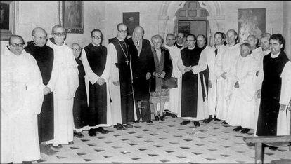 El presidente de la Generalitat Josep Tarradellas y su mujer, durante una visita a Poblet, en 1979.