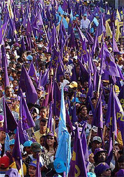 Marcha de apoyo al candidato Leonel Fernández en Santo Domingo.