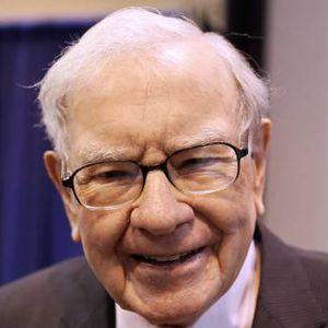 Warren Buffet, antes de la junta de accionistas.