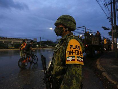 El Ejército mexicano patrulla las calles de la ciudad de Cancún, en el Estado de Quintana Roo.