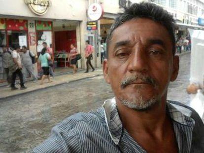 Cándido Ríos, reportero de un diario regional del Estado de Veracruz, fue acribillado junto a un expolicía