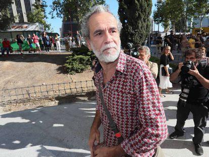 Willy Toledo, tras salir de los juzgados de Plaza de Castilla, en una imagen de archivo.