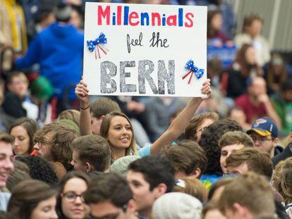 Una seguidora de Bernie Sanders en un acto de campaña reciente.
