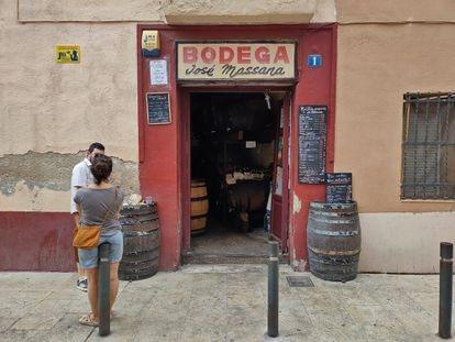 Bar Bodega Massana en el barrio de Horta de Barcelona.