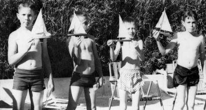 Niños internos en la escuela, década de 1950.