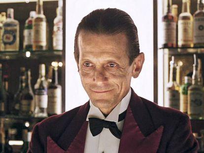 No te preocupes, Jack, vente al bar del hotel y te deleitaré con tu bebida favorita.
