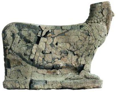 Escultura de un hombre pájaro-escorpión encontrada en el yacimiento de Tell Halaf, al noreste de Siria.