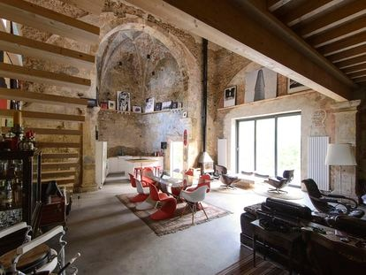 La casa de Tas Careaga, una iglesia en Bizkaia reformada y diseñada por el estudio Garmendia & Cordero.
