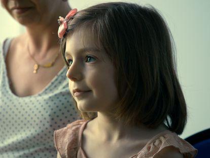 Sasha, la protagonista transgénero de 'Una niña'.