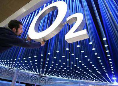 Toques finales de la presentación que hizo hace unos meses la compañía O2, adquirida por Telefónica, en la localidad alemana de Hannover.