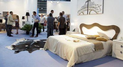 Exposición de muebles de la feria Hábitat en el recinto ferial de Valencia en 2012.