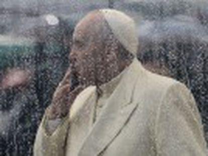 """En un duro informe, acusa al Vaticano de poner a los menores en """"alto riesgo de abuso sexual"""""""