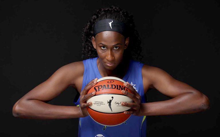 Astou Ndour, con las Dallas Wings de la WNBA