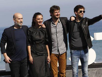 Javier Cámara, Miren Ibarguen, Gorka Otxoa y Julián López, en San Sebastián.