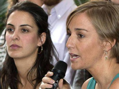 Rita Maestre y Tania Sánchez, en el centro, en una foto de archivo.