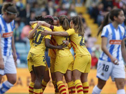 Las jugadoras del Barcelona celebran uno de los goles en la final de la Supercopa ante la Real.