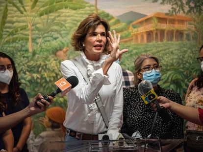 Cristiana Chamorro, former director of the Violeta Barrios de Chamorro Foundation and pre-presidential candidate, gives a press conference after the detention of two of her former employees by the national police and their retention for 90 days for alleged laundering of assets, in Managua on May 31, 2021. - The government of Daniel Ortega increased its siege of the opposition and the independent media with legal and police actions in order to pave the way for his reelection in November, according to human rights organizations. (Photo by Inti OCON / AFP)