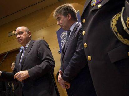 El exministro Jorge Fernández Díaz, junto a Ignacio Cosidó.
