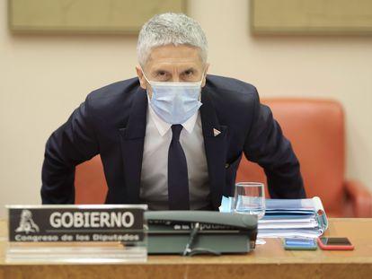 El ministro del Interior, Fernando Grande-Marlaska, a su llegada a la Comisión de Interior en el Congreso, este viernes.