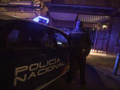 Dos policías cuentan por primera vez cómo arrestaron hace un año al joven que mató y se comió a su progenitora en el madrileño distrito de Salamanca