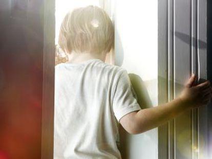 Los padres escucharon cómo amenazaban al menor, de ocho años, y se burlaban de su forma de comunicarse, según informa la Ser