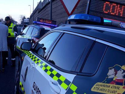 Control de la Guardia Civil de Tráfico en la provincia de Pontevedra durante Fin de Año.