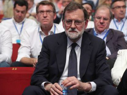 El expresidente acusa al PSOE de  colarse por la puerta de atrás  para gobernar España