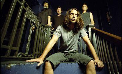 Chris Cornell, en primer término, con Soundgarden