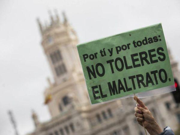 Imagen de una pancarta de la manifestación del pasado 25 de noviembre, día contra la violencia de género, en Madrid.
