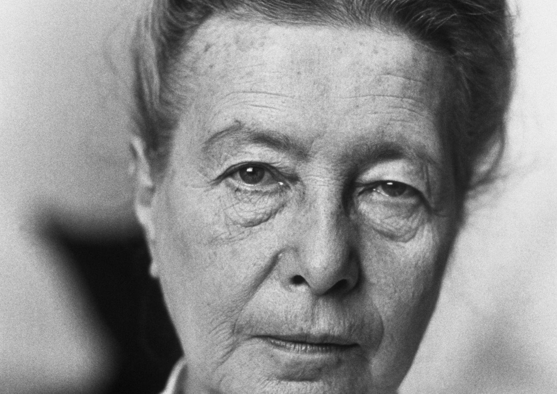 Simone de Beauvoir, en su casa de París.