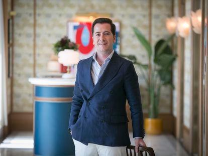 Alberto de Luna, crítico gastronómico, en el interior del restaurante Dani, en el hotel Four Seasons.