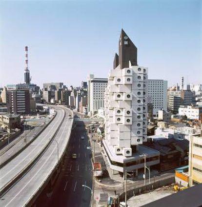 Exterior de la torre Nakagin en Tokio.