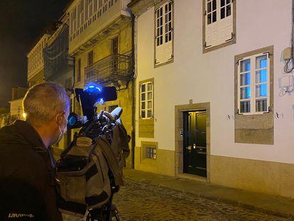 Casa de la calle Loureiros de Santiago en el que un hombre ha matado a un niño de tres años este lunes.