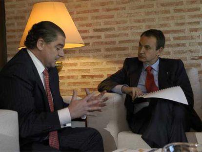 Francisco Juan Ros, junto al presidente Rodrígez Zapatero el pasado 17 de enero en Sevilla.