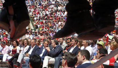 Zapatero en el mitin de la plaza de toros de Valencia.