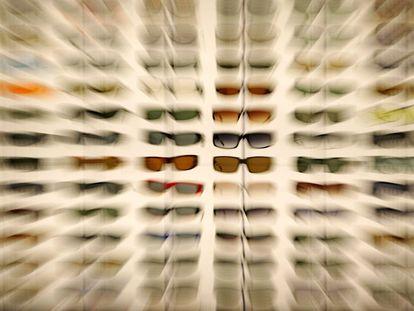 Expositor de Luxottica en una feria de gafas en San Diego.