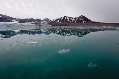 El agua dulce de los glaciares, en caso de derretirse, contribuiría al aumento del nivel del mar