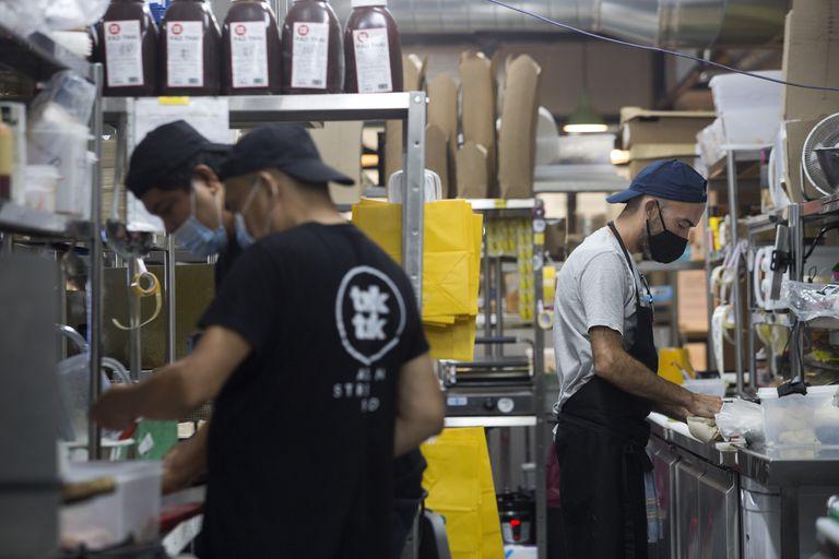 Cocina en Barcelona utilizada por diferentes restaurantes para el reparto de comida.