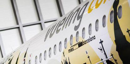 El Airbus A320 de Vueling en el hangar de Iberia en el aeropuerto de El Prat de Barcelona