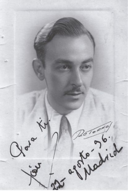 León de Huelves, husband of Josefa de la Calle, in 1936.