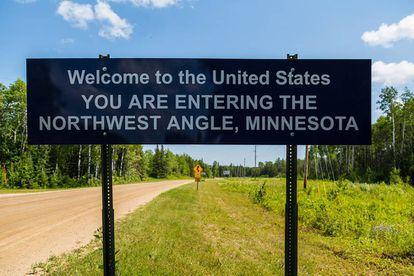 Señal que indica la entrada a territorio estadounidense.