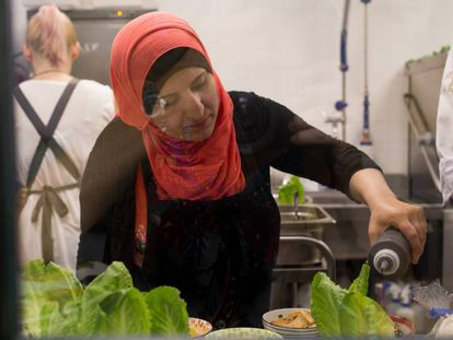 Imagen de la anterior edición del Refugee Food Festival en una cocina de Madrid.