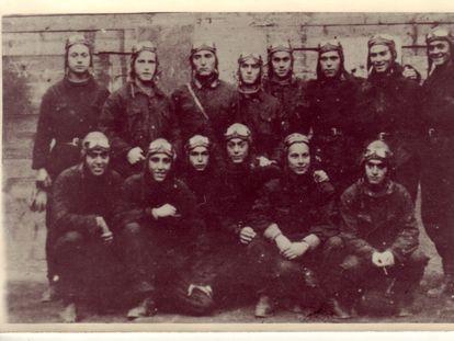 Margalef (tercero por la izquierda, agachado) con sus camaradas de vuelo.
