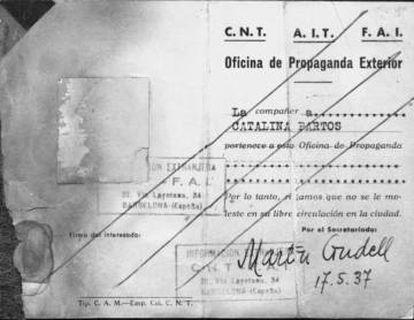 Carnet de la Oficina de Propaganda Exterior de Kati Horna (Catalina Partos) de 1937 que la acredita como fotógrafa de la CNT-FAI.