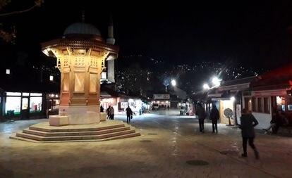 Plaza de la Bascarsija, en el centro de la ciudad vieja de Sarajevo.