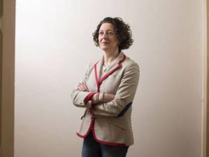 La presidenta de la Sociedad Española de Oncología Médica advierte de que el sistema de salud no podrá pagar el alto precio de algunos fármacos