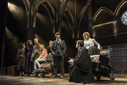 Un momento de la representación de 'Harry Potter y el legado maldito' en el Palace Theatre de Londres.
