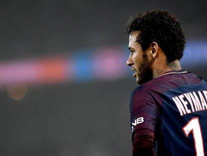 Neymar, en acción con la camiseta del PSG.